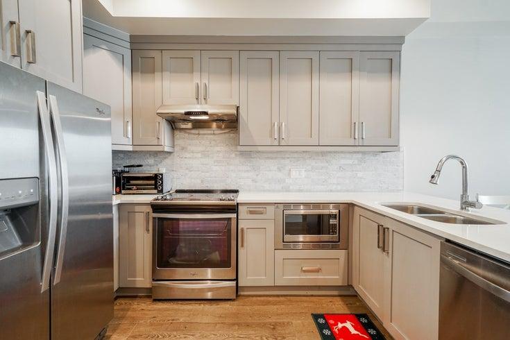 6945-185th Street Surrey - Surrey Townhouse for sale, 3 Bedrooms (BEAUTIFUL 3 BEDROOM + DEN TOWNHOUSE)