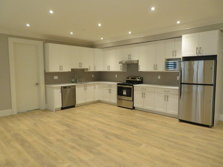 Thrift Avenue, White Rock (1 bed) - White Rock House/Single Family for sale, 1 Bedroom (STUNNING 1 BEDROOM HIGH-END BASEMENT SUITE)