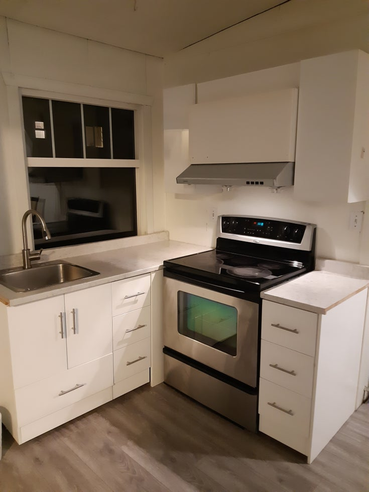 8431 Government Road, Burnaby - Burnaby Apartment/Condo for sale, 1 Bedroom (1 BED SUITE FOR RENT!)