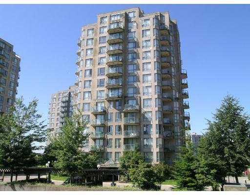 838 Agnes Street, New Westminster - Quay Apartment/Condo for sale, 2 Bedrooms (2 Bedroom New Westminster Condo!)