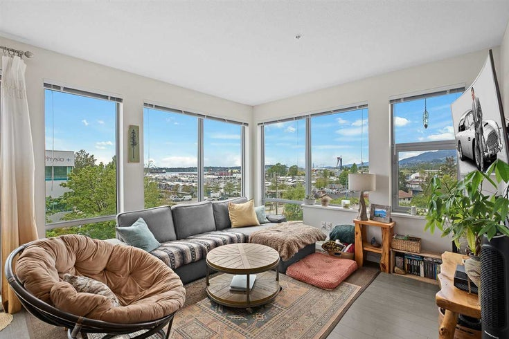 207 277 W 1ST STREET - Lower Lonsdale Apartment/Condo for sale, 2 Bedrooms (R2505350)
