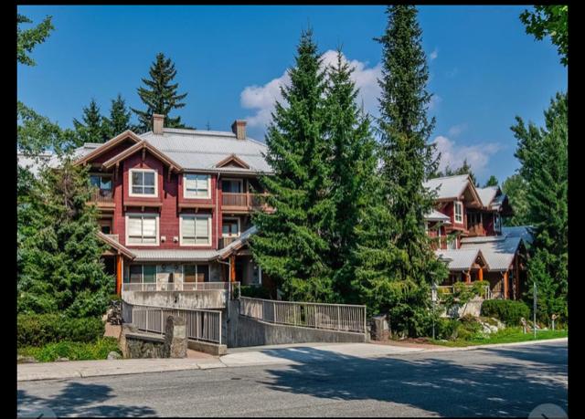 7-4385 NORTHLANDS BOULEVARD - Whistler Village Townhouse for sale, 5 Bedrooms (R2607135)