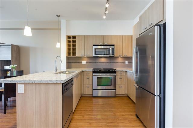 205-709 Twelfth Street - Moody Park Apartment/Condo for sale, 1 Bedroom (R2396637)
