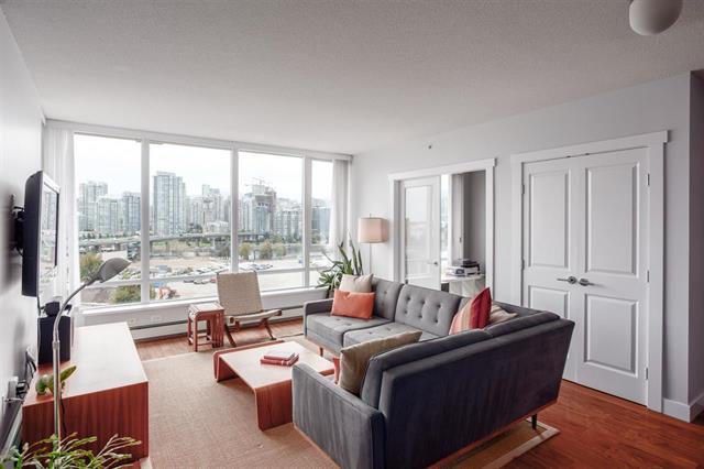 1002-1833 Crowe Street - False Creek Apartment/Condo for sale, 2 Bedrooms (R2309567)