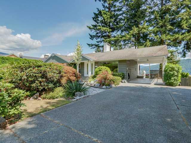 568 N DOLLARTON HY - Dollarton House/Single Family for sale, 4 Bedrooms (V1134279)