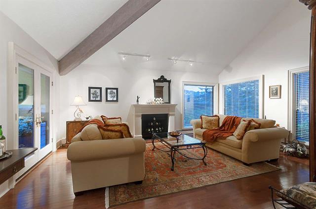 5872 FALCON ROAD - Eagleridge House/Single Family for sale, 4 Bedrooms (R2438395)