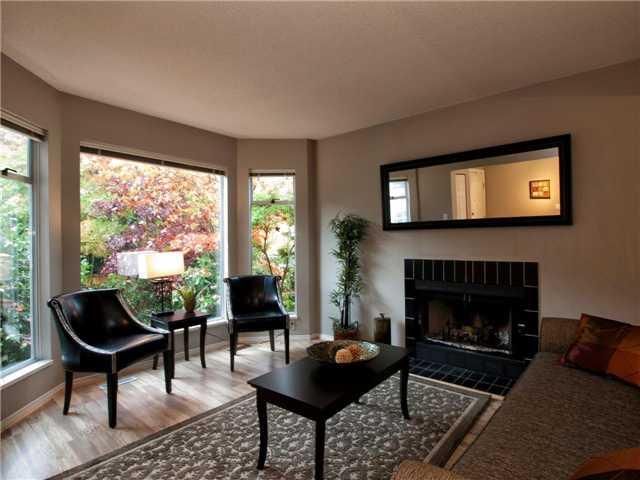 6370 BRUCE ST - Horseshoe Bay WV 1/2 Duplex for sale, 4 Bedrooms (V978658) #1