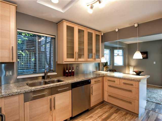 6370 BRUCE ST - Horseshoe Bay WV 1/2 Duplex for sale, 4 Bedrooms (V978658) #5