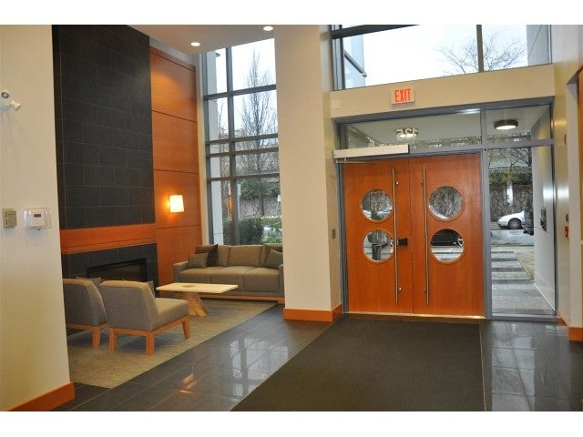 213-135 W. 2nd Street North Vancouver - Lower Lonsdale Apartment/Condo for sale, 1 Bedroom (R2038959)