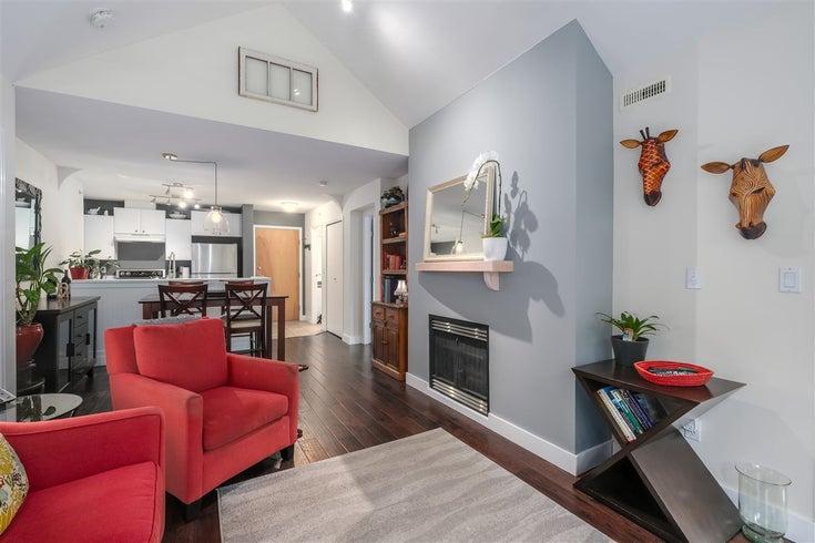 402 1111 LYNN VALLEY ROAD - Lynn Valley Apartment/Condo for sale, 2 Bedrooms (R2457558)