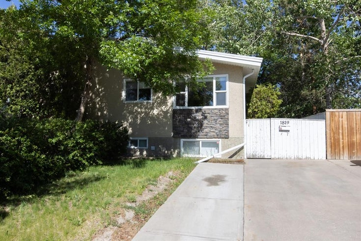 1819 18 Street N - Winston Churchill Semi Detached for sale, 3 Bedrooms (A1115866)