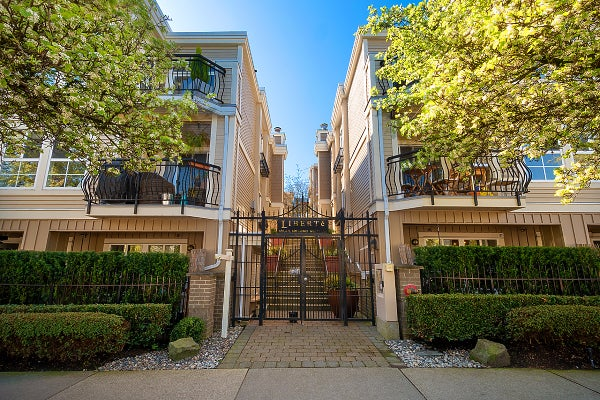 209 680 W 7TH AVENUE - Fairview VW Townhouse for sale, 1 Bedroom (R2451114)
