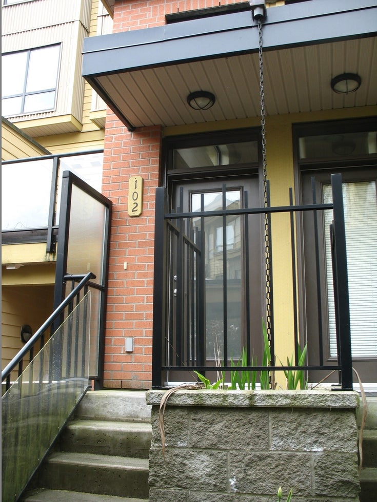 #102-1855 Stainsbury Ave, Vancouver - Victoria VE Townhouse for sale, 3 Bedrooms (V1113130)