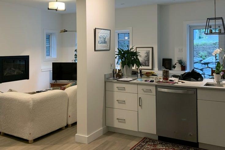 1098 Foxglove Lane - Bowen Island House/Single Family for sale, 2 Bedrooms