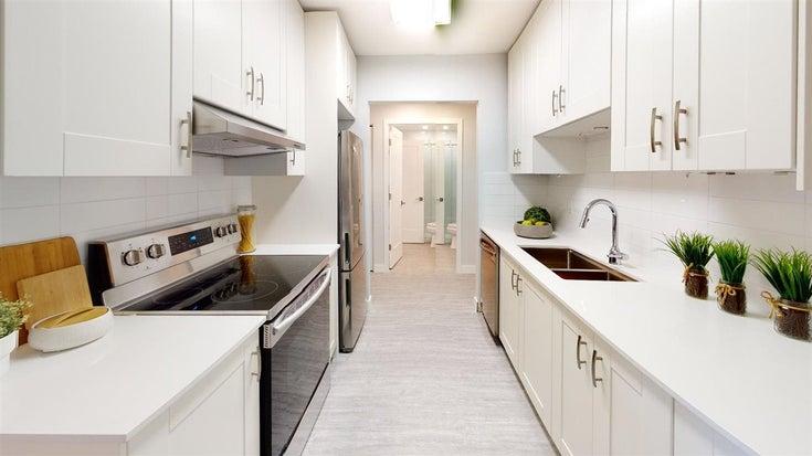 305 1360 MARTIN STREET - White Rock Apartment/Condo for sale, 2 Bedrooms (R2566737)