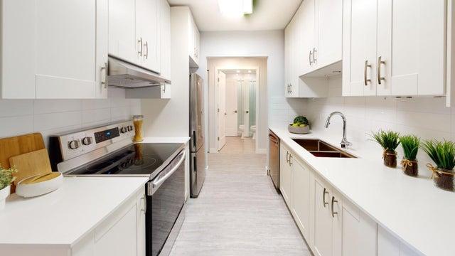 305 1360 MARTIN STREET - White Rock Apartment/Condo for sale, 2 Bedrooms (R2603372)