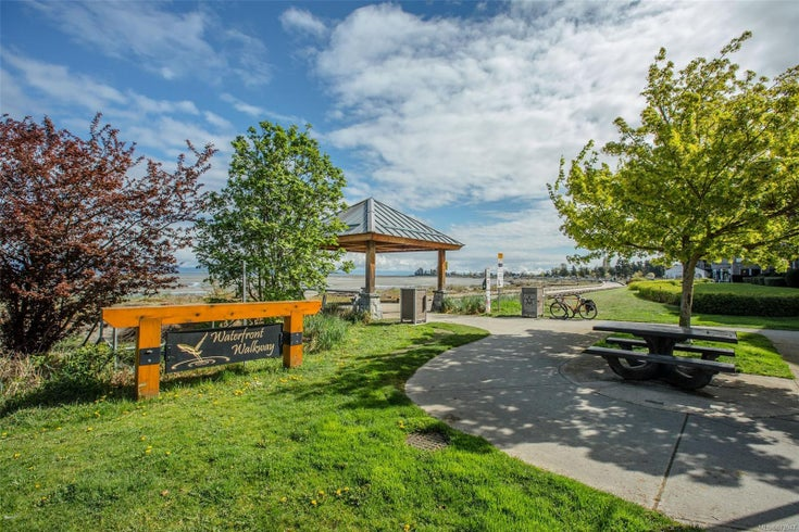 402 194 Beachside Dr - PQ Parksville Condo Apartment for sale, 2 Bedrooms (873947)