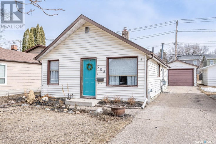 904 J AVE N - Saskatoon House for sale, 2 Bedrooms (SK846413)