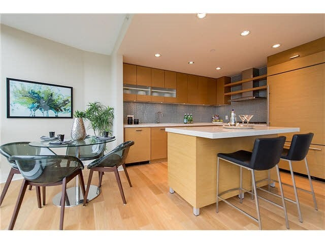 701 1277 MELVILLE STREET - Coal Harbour Apartment/Condo for sale, 2 Bedrooms (R2015542) #10