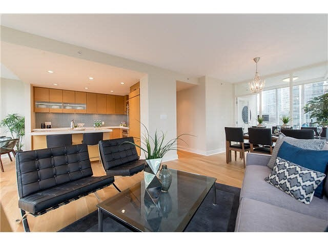 701 1277 MELVILLE STREET - Coal Harbour Apartment/Condo for sale, 2 Bedrooms (R2015542) #4