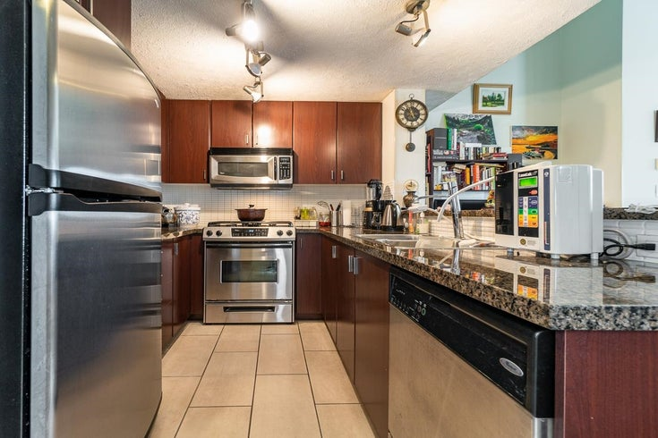 415 6888 SOUTHPOINT DRIVE - South Slope Apartment/Condo for sale, 2 Bedrooms (R2594893)