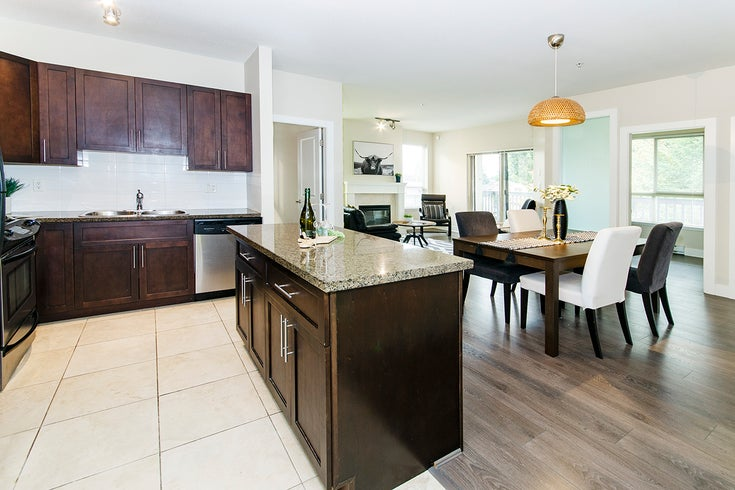 203 3895 Sandell St - Central Park BS Apartment/Condo for sale, 3 Bedrooms