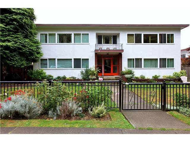 4 369 W 4 STREET - Lower Lonsdale Apartment/Condo for sale, 1 Bedroom (R2508957)