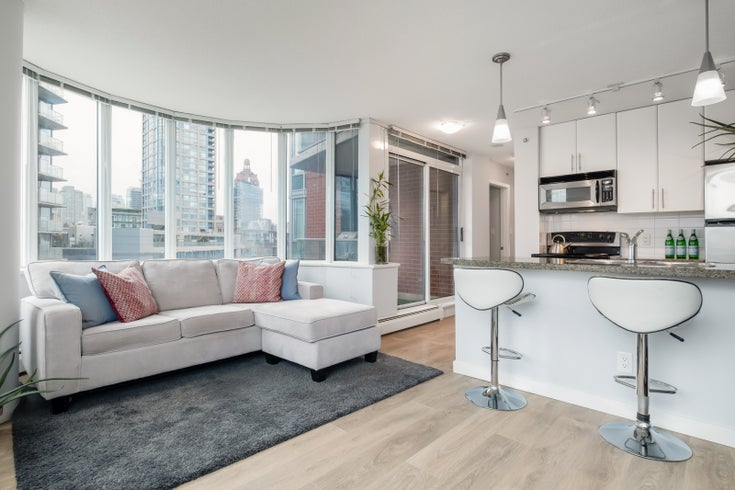 1005-688 Abbott St - Downtown VW Apartment/Condo for sale, 1 Bedroom (R2541367)