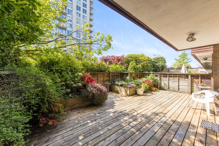 101 122 E 17th Street - Central Lonsdale Apartment/Condo for sale, 2 Bedrooms (R2579795)