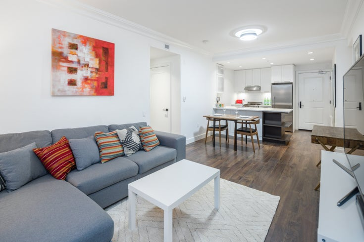 501 168 E 35th St - Main Apartment/Condo for sale, 2 Bedrooms (R2547455)