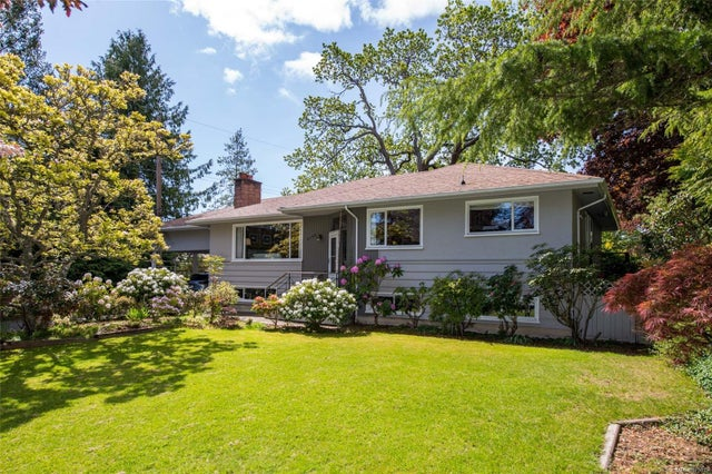 2175 Kendal Ave - OB Henderson Single Family Detached for sale, 5 Bedrooms (875819)