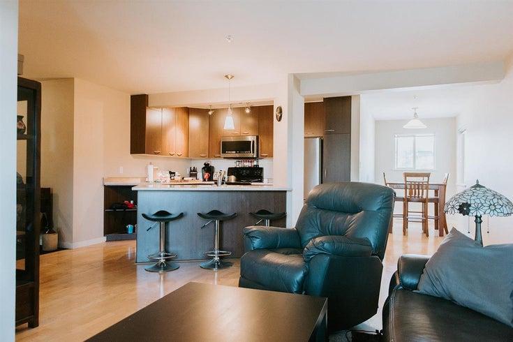 201 5631 Inlet Avenue - Sechelt District Townhouse for sale, 2 Bedrooms (R2583236)