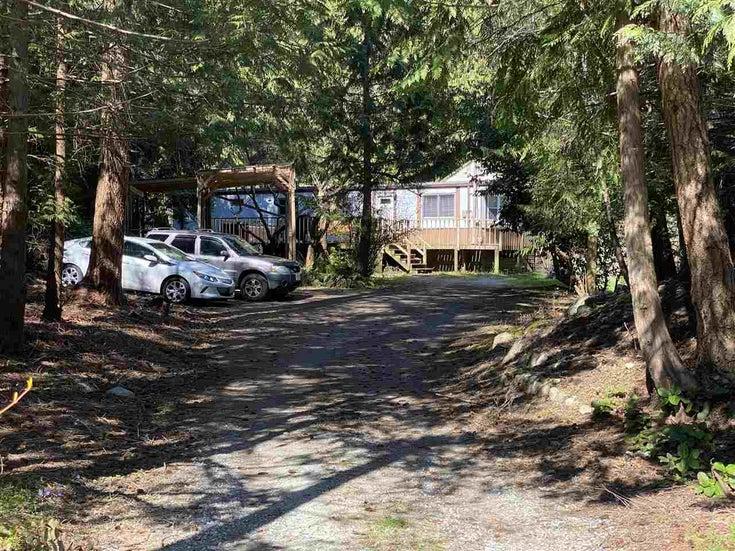 8143 Cedarwood Road - Halfmn Bay Secret Cv Redroofs House/Single Family for sale, 3 Bedrooms (R2560997)