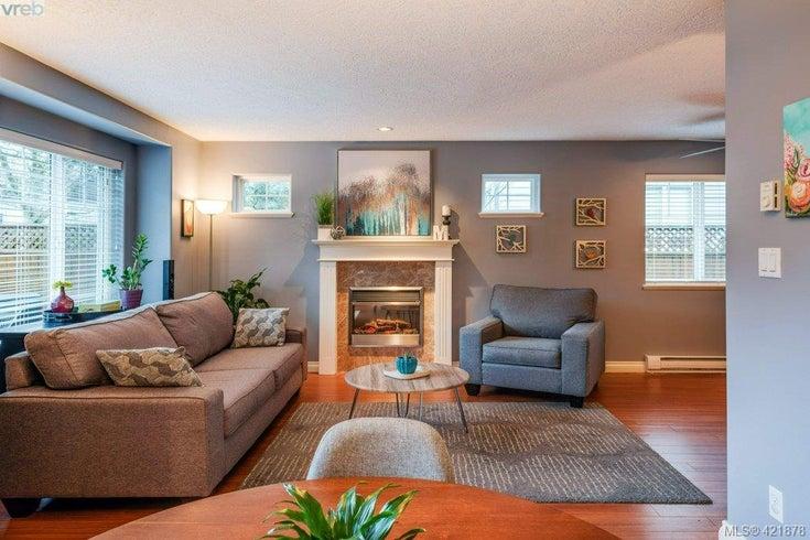 110 724 Larkhall Rd - La Langford Proper Row/Townhouse for sale, 3 Bedrooms (421878)