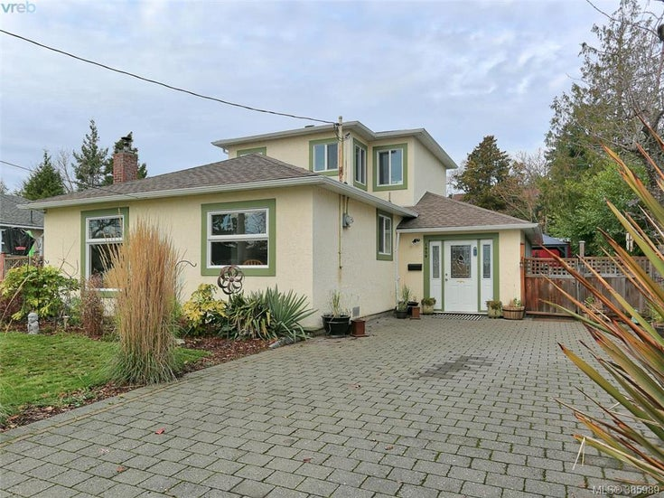 1030 Dunsmuir Rd - Es Saxe Point Single Family Detached for sale, 3 Bedrooms (385989)