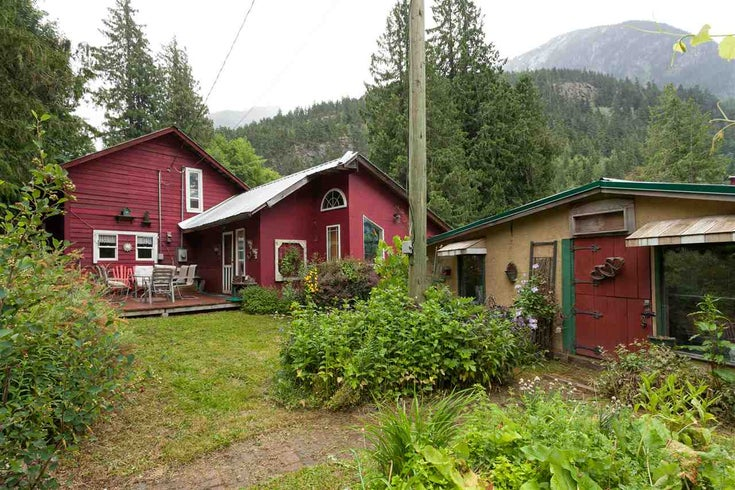 9046 Pemberton Portage Road - Poole Creek House with Acreage for sale(R2080145)