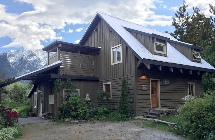 1422 Collins Road - Pemberton House with Acreage for sale(R2090519)