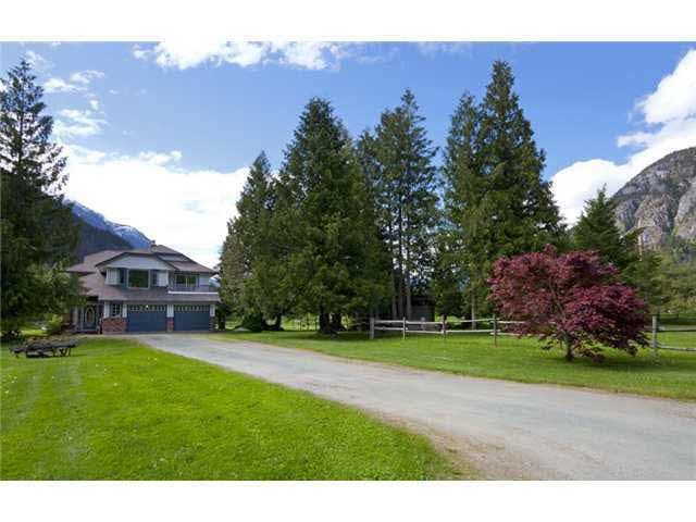 8409 Pemberton Meadows Road - Pemberton Meadows House with Acreage for sale(V891755)