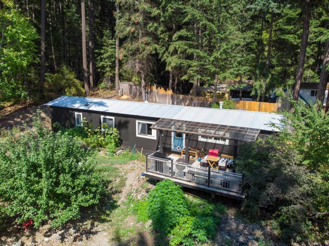 9411 PORTAGE ROAD - Birken House with Acreage for sale, 2 Bedrooms (R2612034)