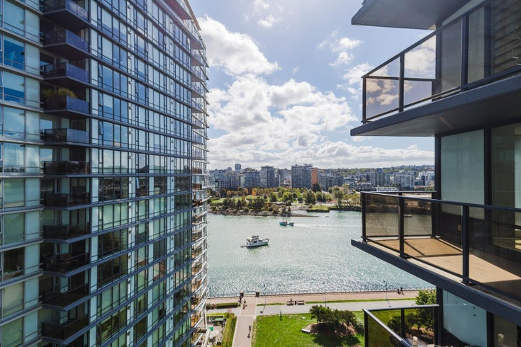 1602 918 COOPERAGE WAY - Yaletown Apartment/Condo for sale, 2 Bedrooms (R2618902)