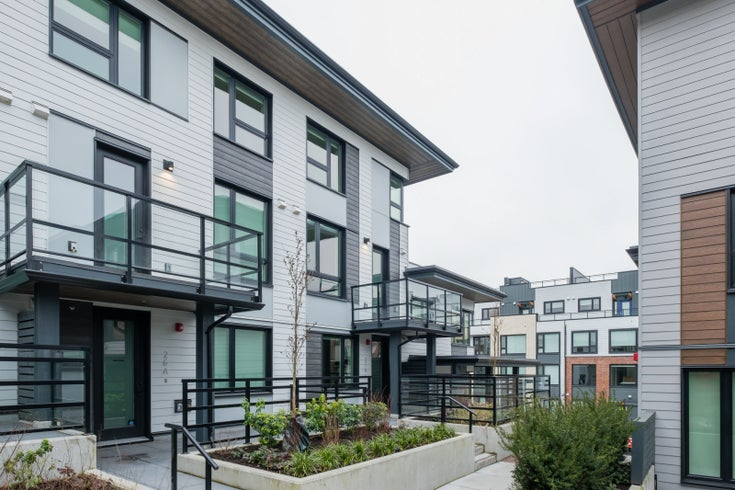 TH16 - 528 E 2nd Street, North Vancouver - Lower Lonsdale Townhouse for sale, 3 Bedrooms (R2540975)