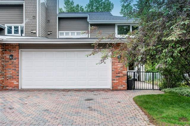 2 WOODMEADOW CL SW - Woodlands Row/Townhouse for sale, 2 Bedrooms (C4305515)