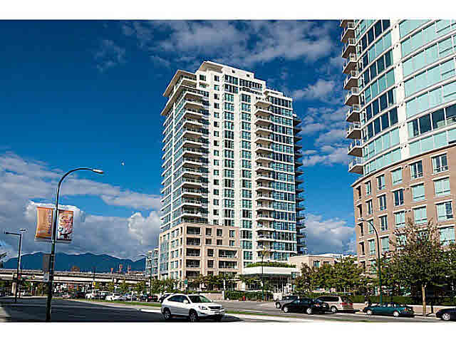 1903 125 Milross Avenue - Downtown VE Apartment/Condo for sale, 2 Bedrooms (V1031656)
