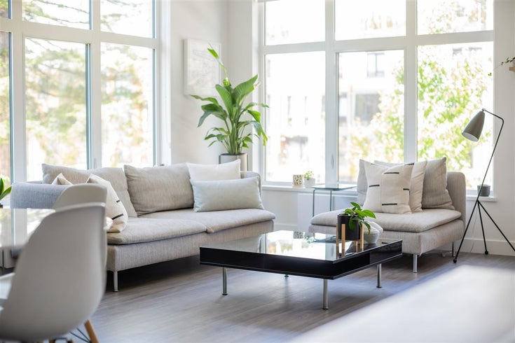 204 733 E 3RD STREET - Queensbury Apartment/Condo for sale, 2 Bedrooms (R2589287)