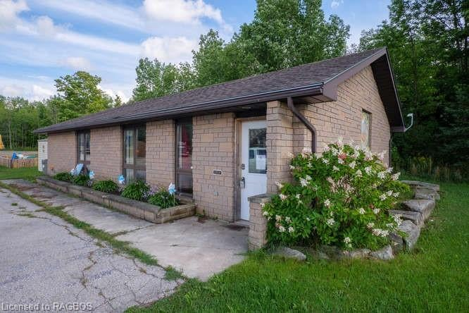 136255 GREY 40 Road, Chatsworth - Chatworth Single Family for sale, 2 Bedrooms