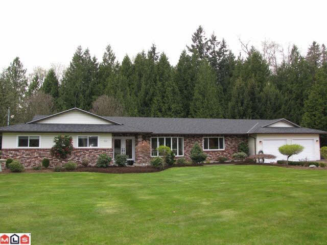 4869 246a Street - Salmon River House with Acreage for sale, 3 Bedrooms (F1007581)