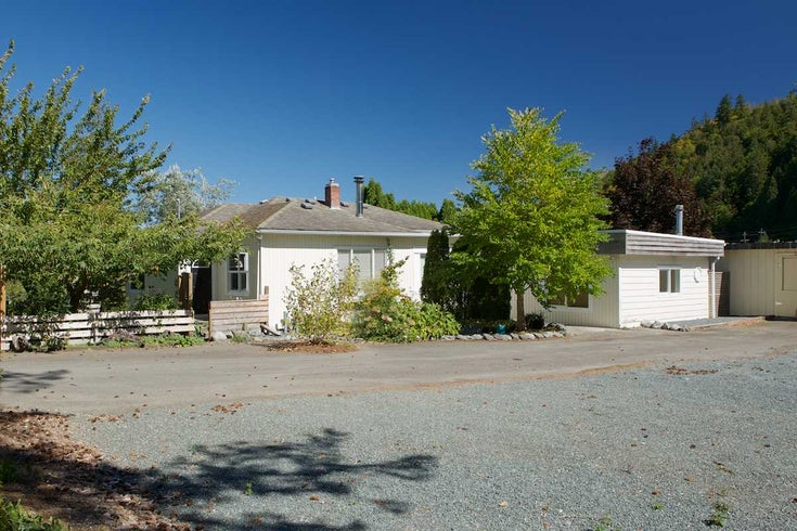 4176 Wilson Road - Yarrow House with Acreage for sale, 3 Bedrooms (R2201960)