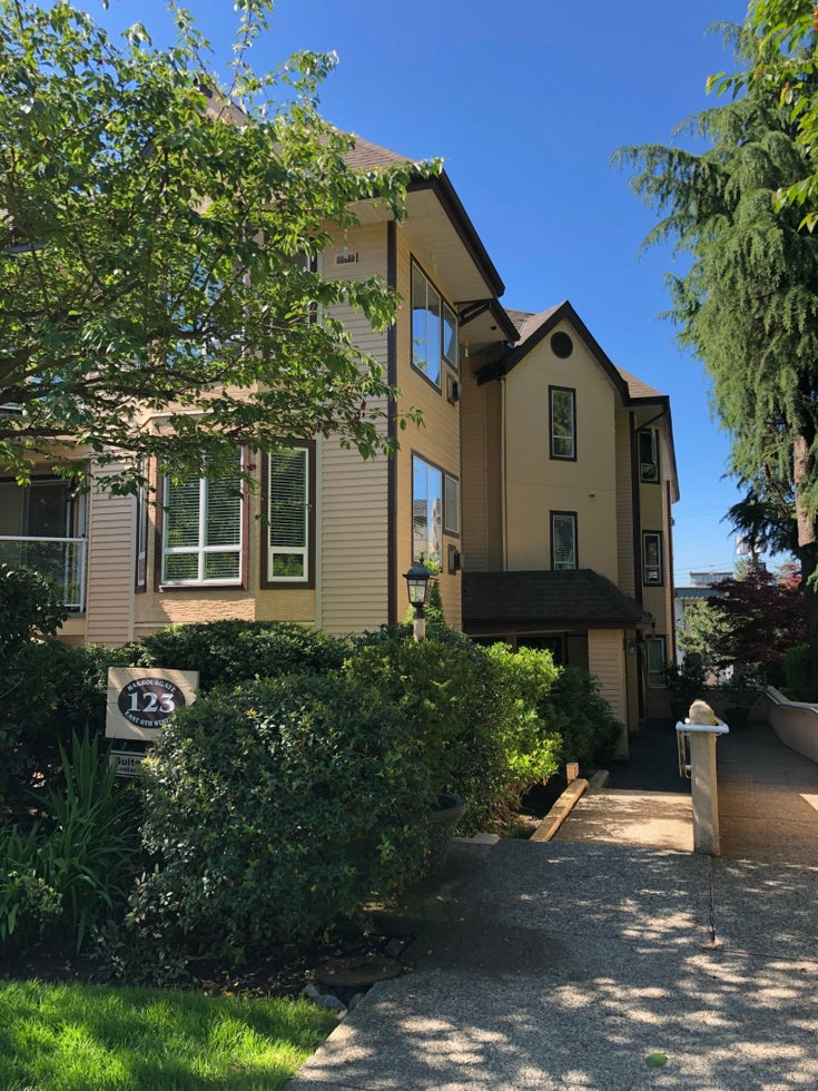 203, 123 EAST 6TH STREET - Lower Lonsdale Apartment/Condo for sale, 2 Bedrooms (R2359141)