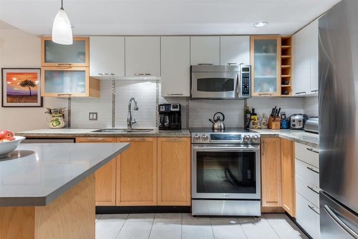 207 2137 W 10th Avenue - Kitsilano Apartment/Condo for sale, 3 Bedrooms (R2401655)