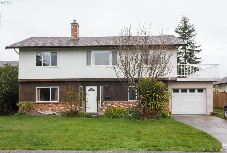 9577 Iroquois Way - Si Sidney South-East Single Family Detached for sale, 5 Bedrooms (376122)